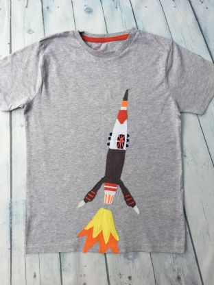 Mini Boden grey tshirt with applique rocket age 9-10